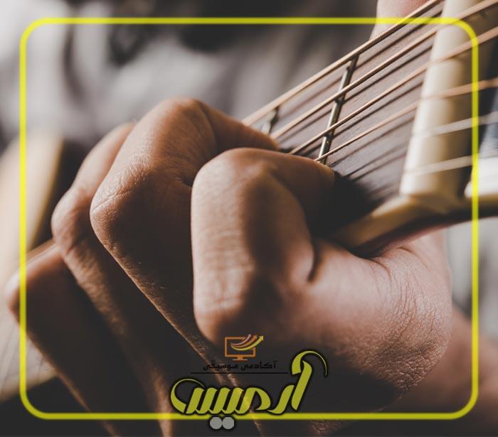 تمرین دست چپ در گیتار